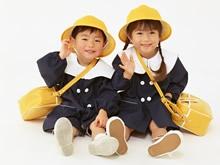 【送迎ステーションの保育士】大和市子育て支援施設 きらきらぼし|派遣社員|大阪府|大阪市城東区|放出駅から徒歩9分|駅チカ☆子育て相談室、託児所も兼ねています♪